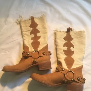 BTINTRIGUE cowboy boots. Size 9 but fits like 8